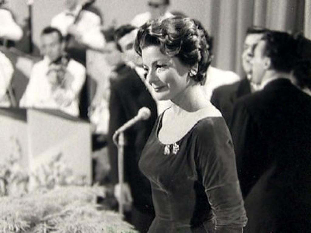 Lys Assia na Pesmi Evrovizije 1956. Foto: Eurovision.tv