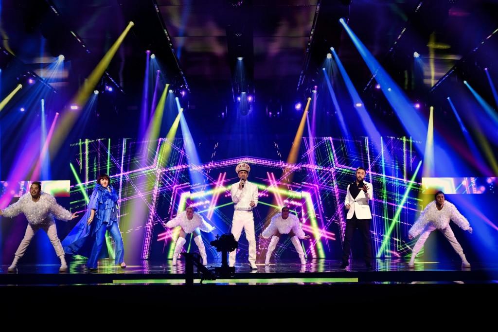 Voditelji finala (Foto: SVT / Stina Stjernkvist / Melodifestivalen)